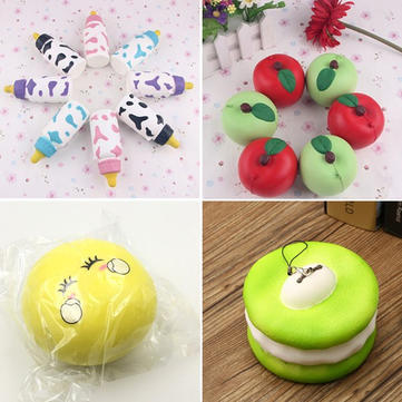 4PCS Squishy Emoji Bun Melkfles Apple Macaroon Slow Rising Collectie Speelgoed Cadeau Decor